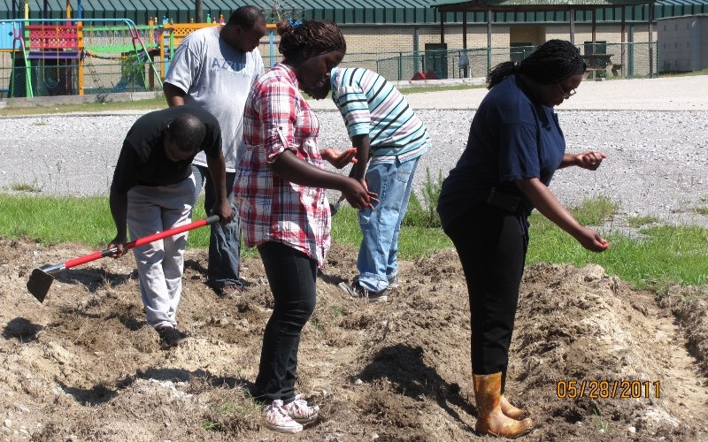 POZ educates students on gardening